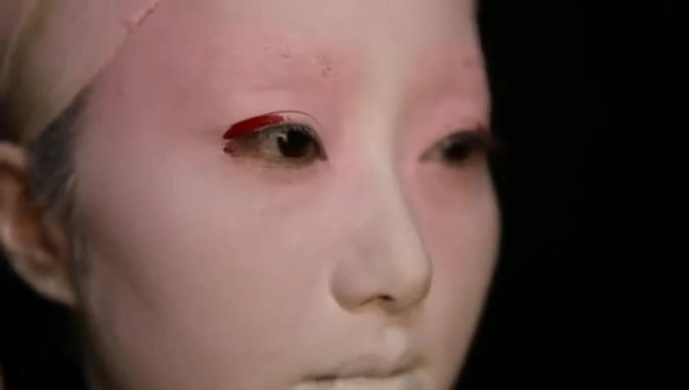 看完日本艺妓化妆过程,我真的欣赏不了这种美