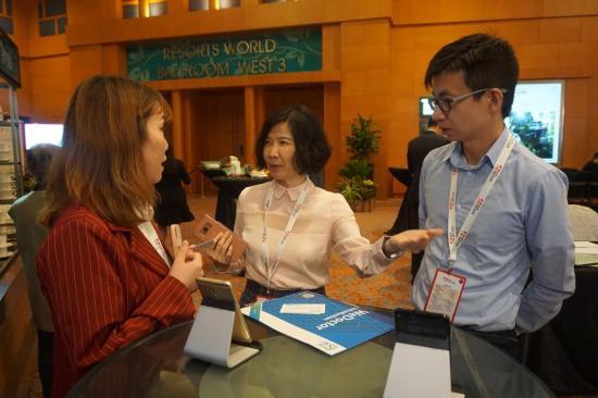 中国科技新嘉宾微医通亮相海外,引各国锅盖围名片玻璃生产设备图片