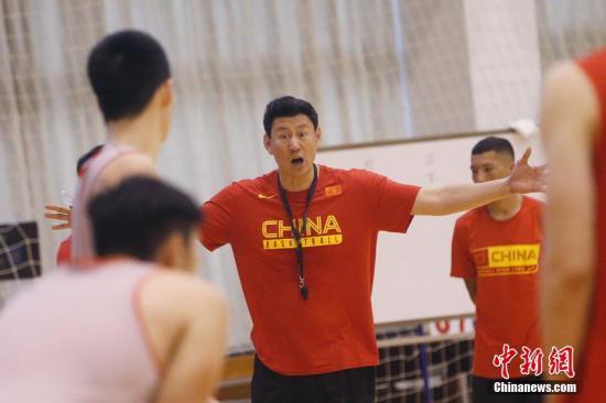 中国男篮新主帅李楠:从被质疑到逆袭