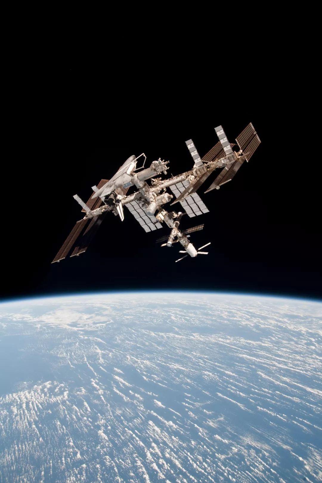 坐上Space X之前 了解一下即將成真的太空旅行吧!
