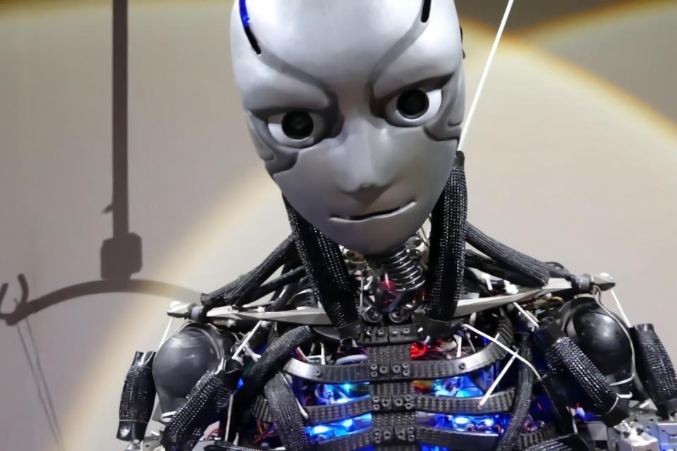 """日本最新研发机器人太牛了,比人类灵活6倍,运动后还会""""流汗"""""""