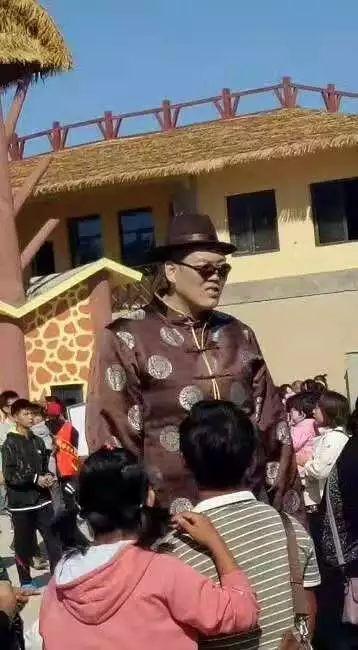 小编聊幕后:         为了野生动物园顺利试运营暨武邑百戏艺术节
