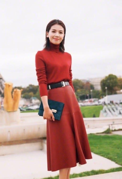 刘涛的时尚都是歪出来的,皮带都不好好戴,意外凹出了时尚