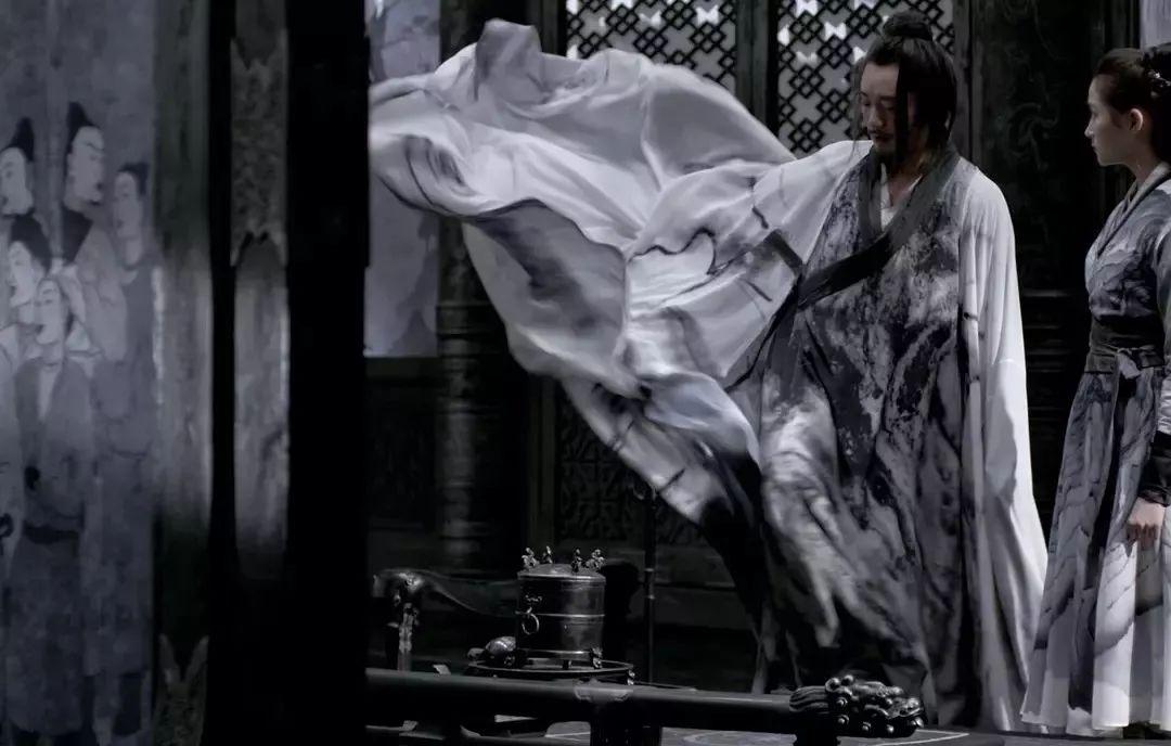 ▲电影中演员的水墨服装