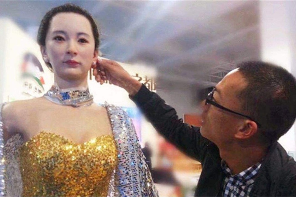 """日本发明仿真美女机器人, 内部结构逼真, 你想""""娶""""回家吗?"""
