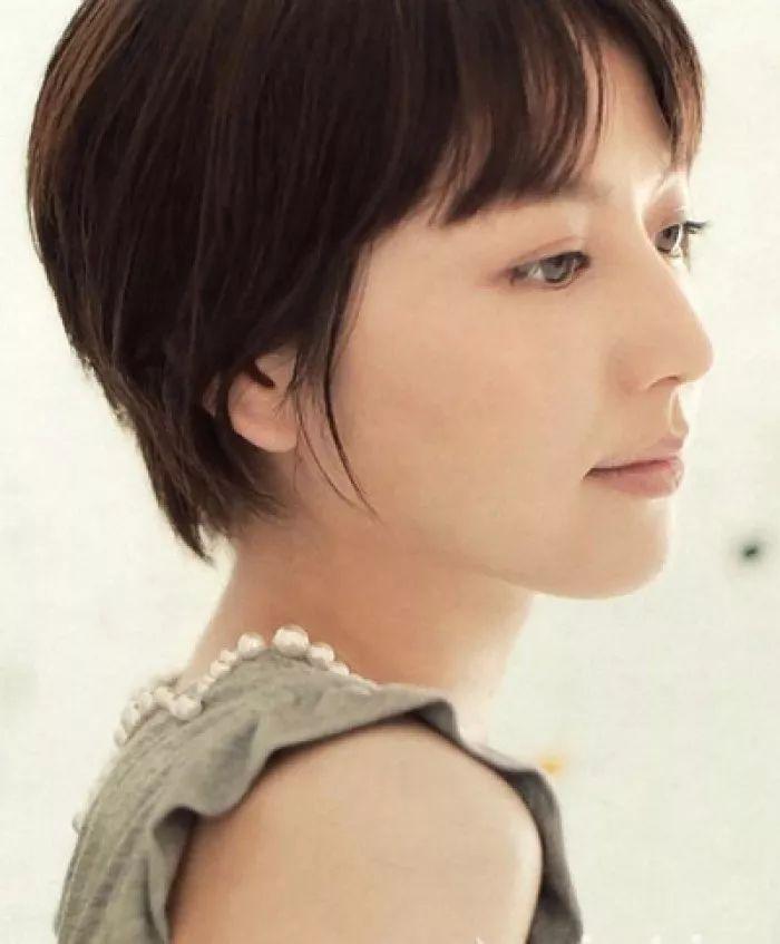 最适合圆脸大脸的日系发型,不要再纠结留长还是剪短发图片