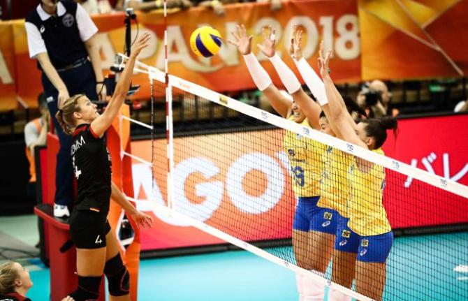 女排世锦赛大冷!不可思议的疯狂逆袭,输球的又是巴西队