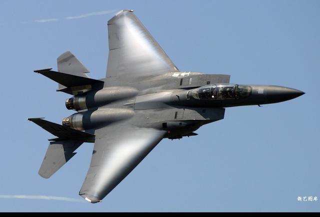 一人之力推动大变革,世界空战模式和战斗机设计由一位老鸟改变