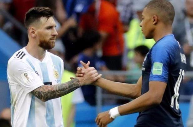 德尚谈姆巴佩梅西最大区别:一个19岁拿世界杯 另一个却没有