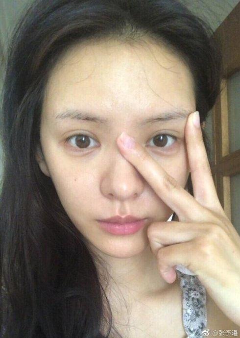跟王思聪谈恋爱成名的她,《如懿传》里演水玲珑因脸僵惹争议