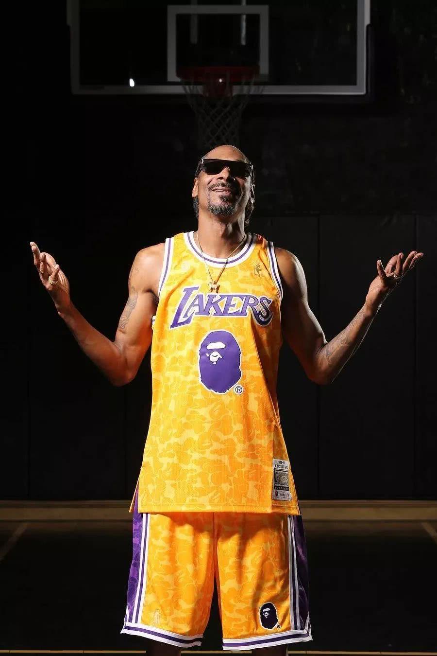UNIQLO聯手ALEXANDER WANG打造最新服飾系列,Snoop Do