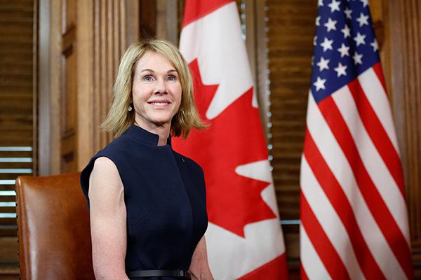 美媒:特朗普考虑让美驻加大使接替黑莉