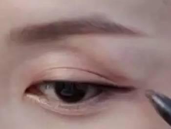六款最实用的眼线画法,新手小白一学就会