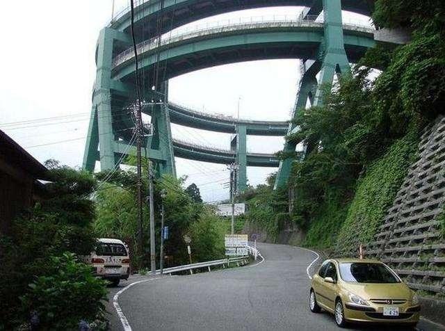日本这条公路有20层楼高,无人敢超时速30公里,却成为热门景点
