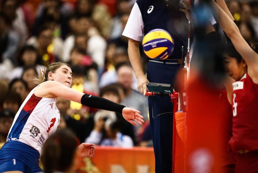 没有默契球!日本女排被塞队打得找不到北,6强最弱球队彻底坐实