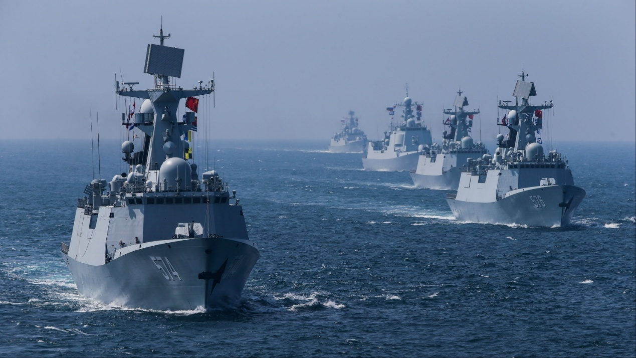 F:\配图\china-navy-exercise-russia.jpg
