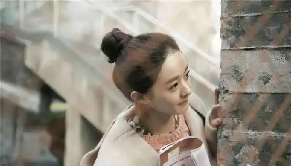 赵丽颖越来越圆脸?她是行走的长发发型韩版中时尚直发发型图片