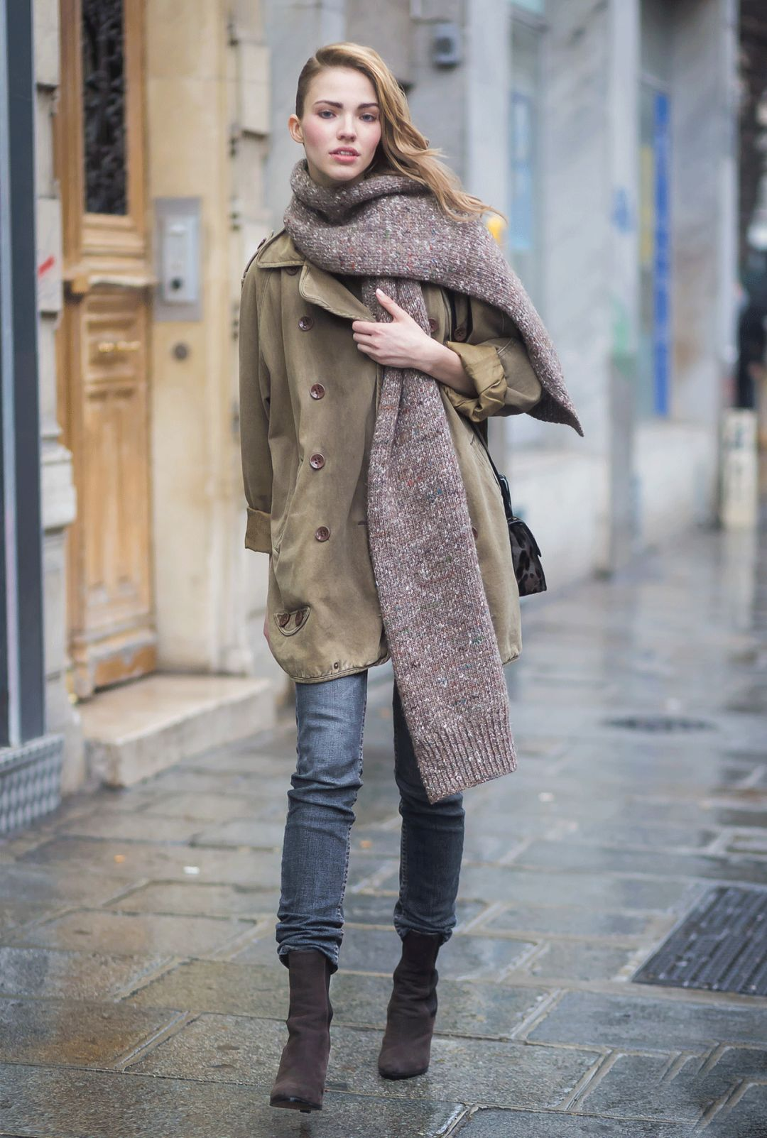 女人冬季衣橱要有一件这样的皮毛一体外套 让你
