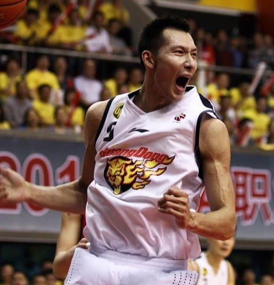 再砍33分11板易建联惊艳全场 有他广东便有夺冠实力