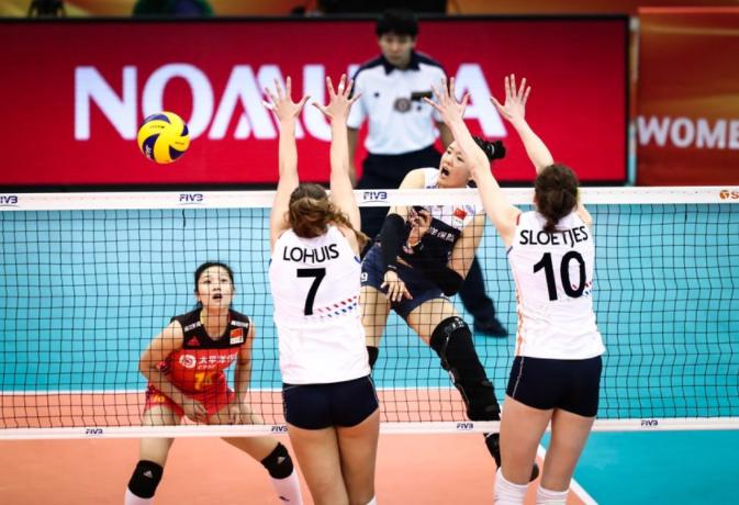 """中国女排再次赢得了全世界的尊重!不畏难主动迎来5连败""""苦主"""""""