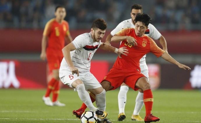 中国足球骄傲!3镜头告诉你:被逼疯的国脚们在国足有多拼