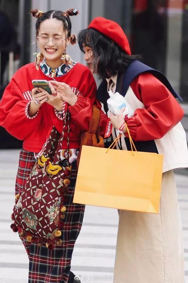 绝非官方图!编辑手机里的时装周才是真实的时装周!