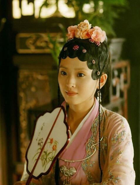 赵丽颖嫁冯绍峰!扒扒新版《红楼梦》九大花旦之感情现状