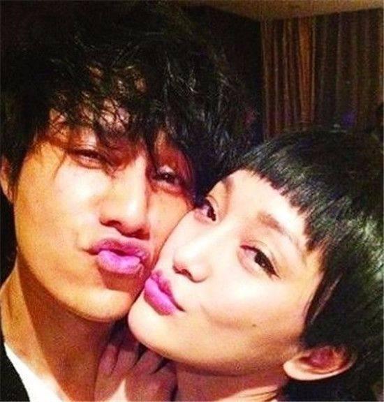 陈坤为周迅庆生好甜蜜,网友却猜测周迅和老公已经离婚?