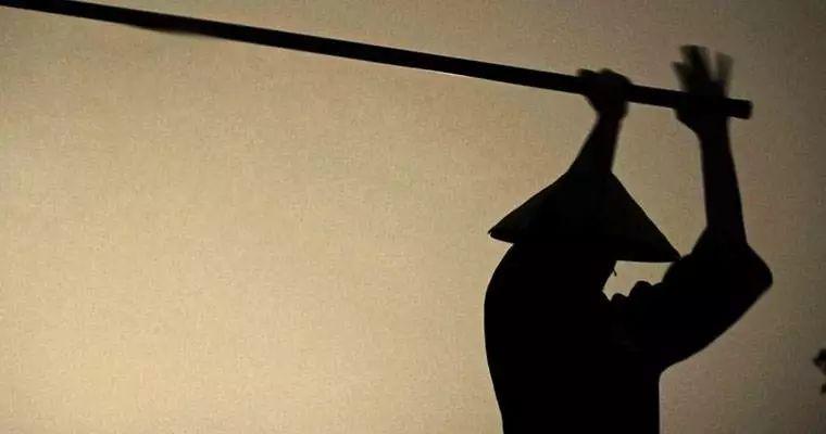总说日本武士刀源自唐刀那为何唐刀是直刃而日本刀是弯的?