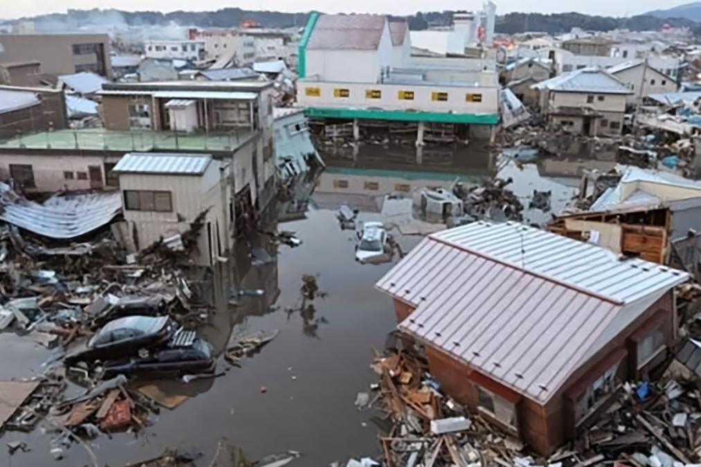 """经过台风后的日本,迎来大批中国游客,并对日本实施""""帮助"""""""