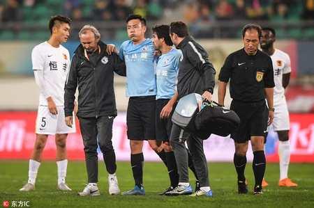 一方官方宣布秦升腿部拉傷 初步判斷不容樂觀