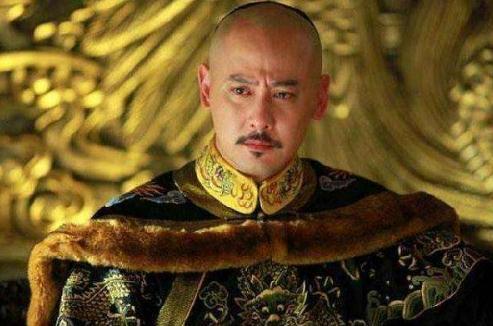 乾隆为何将皇位传给资质平庸的嘉庆?不是他喜欢,而是没得办法
