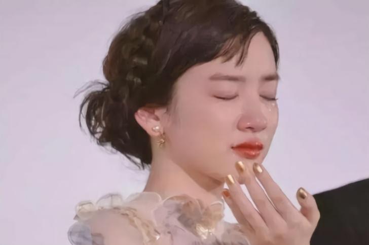 """看看什么叫""""仙女式哭泣"""",秦岚排第五,这位日本女星哭的太美了"""