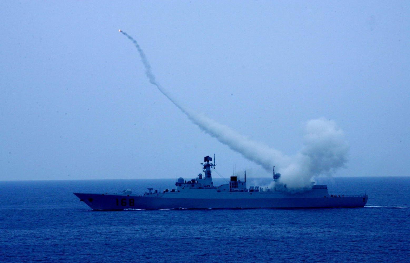 东盟舰队聚湛江军港 首次与中国海军举行联演