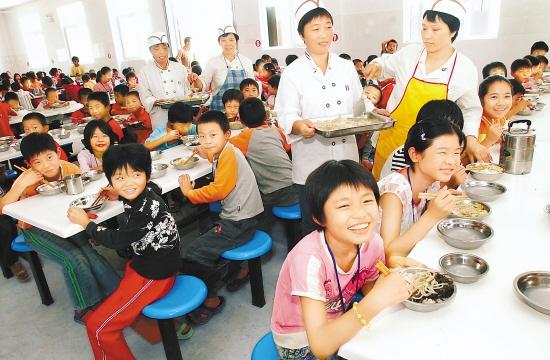 太搞笑了,小学生对学校食堂提神意见:面太烫