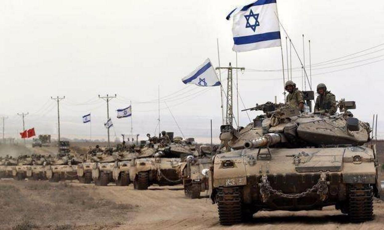 空袭过后,精锐部队集结,数百辆重型坦克待命!战争一触即发!