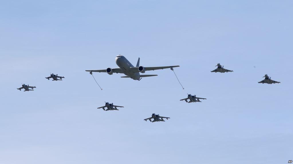 美国磨刀霍霍向俄罗斯!5万人250架战机65战舰做出大动作