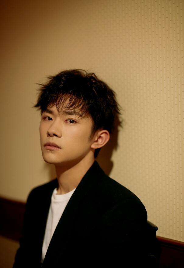 王俊凱18歲晉升王總,王源更早,只差千璽了!