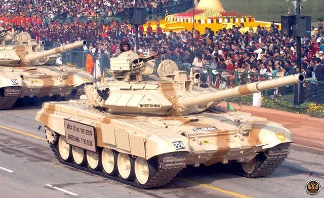 印度2500亿美元买军火 军火商磨刀赫赫向肥羊