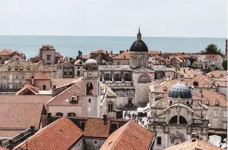 位于地中海及巴尔干半岛潘诺尼亚平原的交界处的克罗地亚被称为欧洲