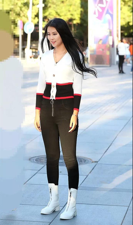 街拍美女:姐姐丰腴的性感搭配性感长筒靴,身材的女人阿根廷紧身图片
