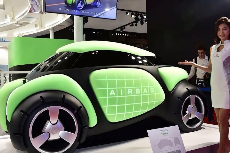 日本这下火了,发明最安全汽车,怎么撞都不怕,安全率100%!