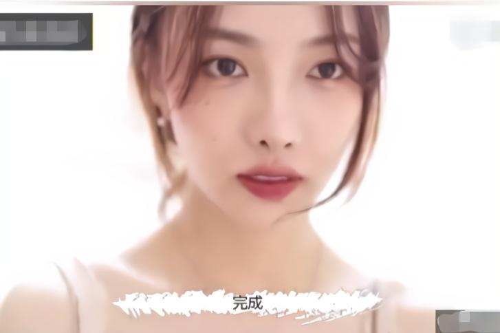 美女仿妆日本森绘梨佳,淡淡的妆容后,清纯又漂亮
