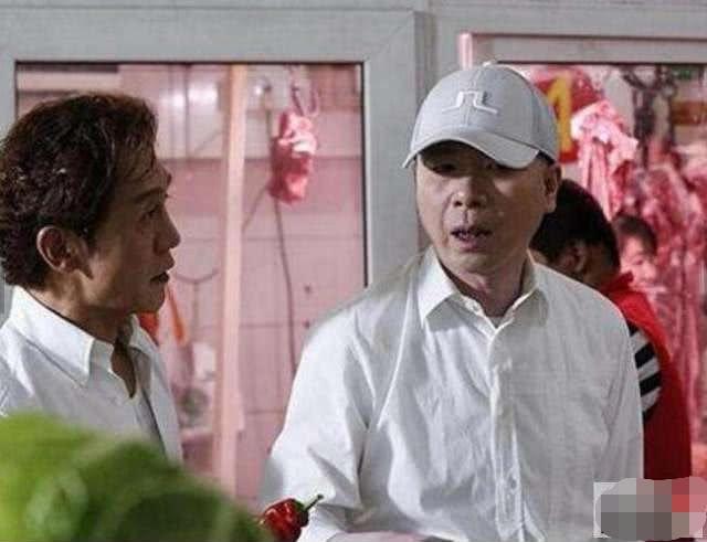 冯小刚为李咏罕见发文,这一次露面,他不再那么江湖气了