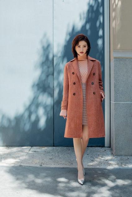Lily商务时装开启商务女装流行色彩之门