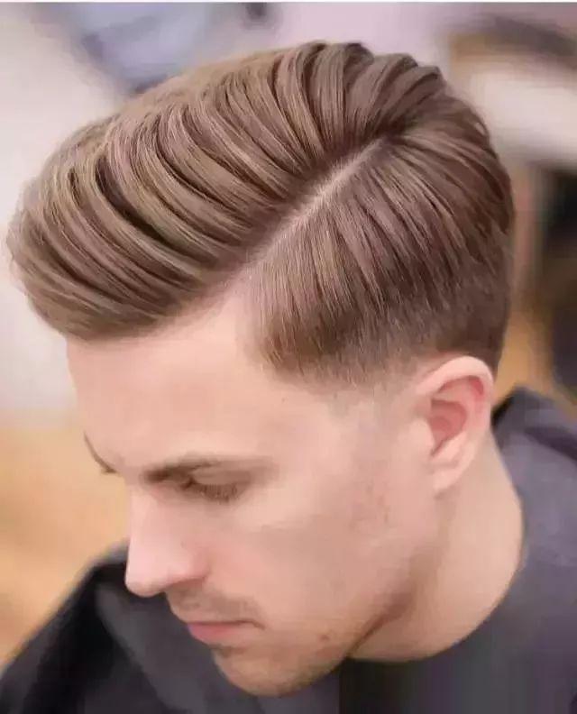 新出炉2019男士发型,也是姑娘们喜欢的男生发图片