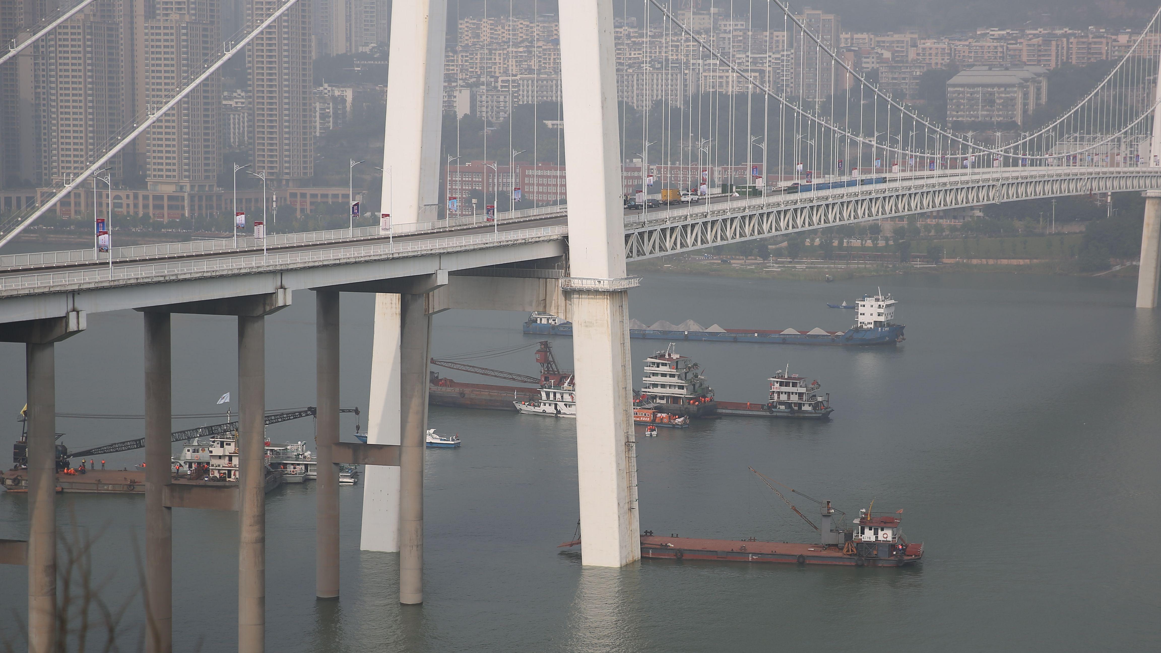 9个数字,回顾重庆万州公交坠江事件