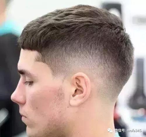 凯撒式短发板寸油头,男生提高颜值的发型图片