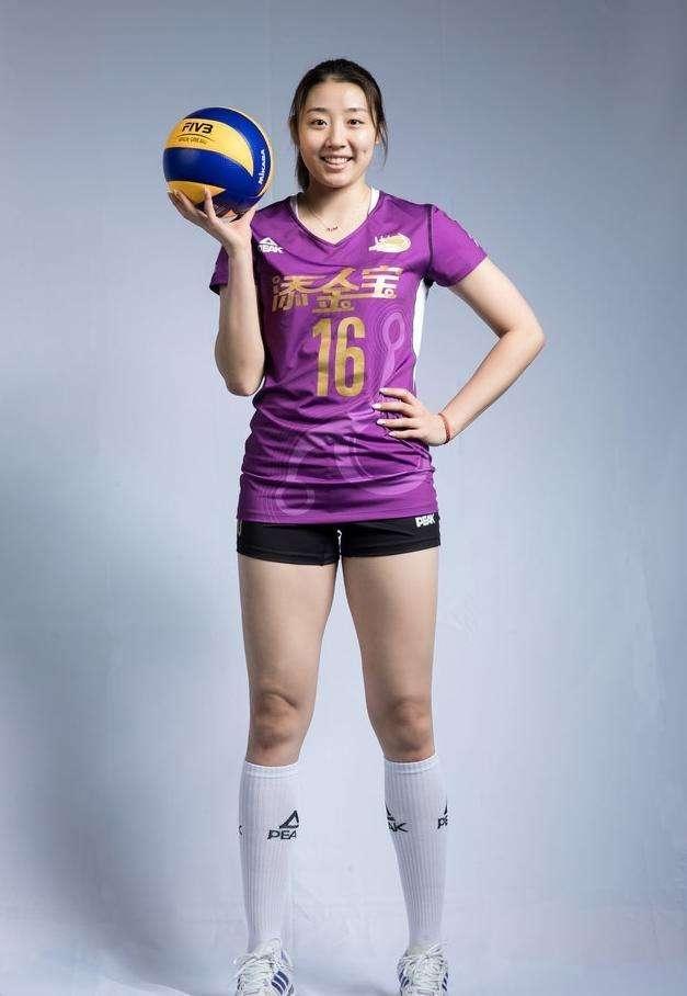 女排26岁国手自曝世锦赛前差点退役!郎平多次约谈挽救了脆弱的她
