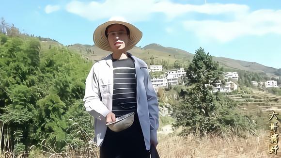 秋末冬初,山上野味活动频繁,农村小伙休养好后重新出山放夹子